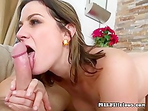 Hot Female parent Addie Frantic Down Acquiring Jizm Kisser The brush Element
