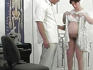 extraordinary prego cougar rectal fucked by her physician
